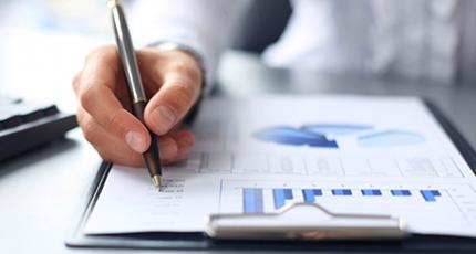 برای مدیریت حسابهای دریافتی یک نرم افزار حسابداری تهیه کنید!